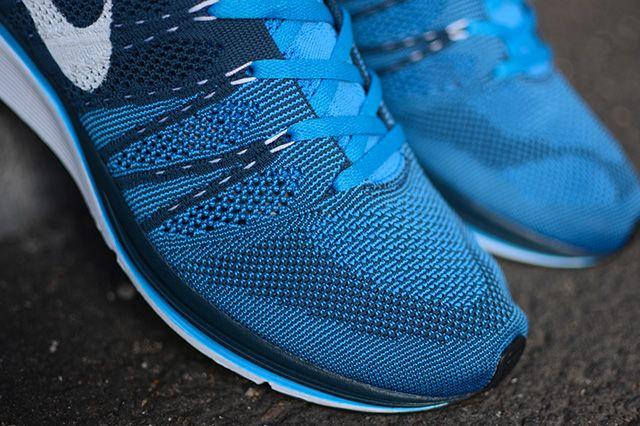 Nike Flyknit Trainer Blue Glow 2