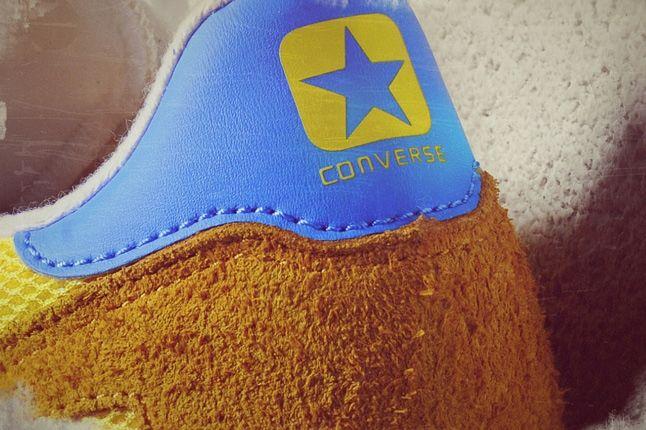 Converse Auckland Racer Size Exclusive Heel Detail 1