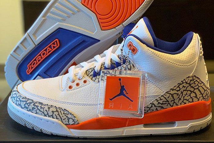 Air Jordan 3 Knicks Detailed Shots Pair Side