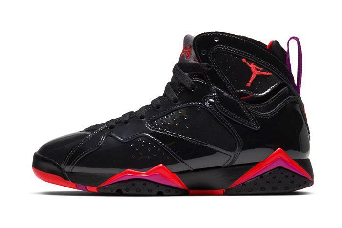 Air Jordan 7 Wmns Black Gloss 313358 006 Release Date Lateral