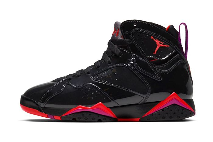 Air Jordan 7 Wmns Black Gloss 313358 006 Release Date Lateral