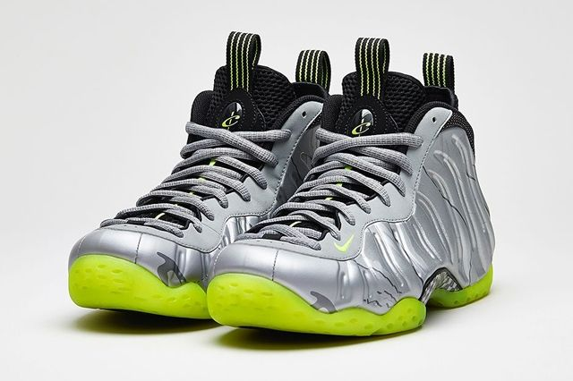 Nike Air Foamposite One Premium Metallic Silver Volt 2