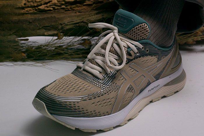 Asics Gel Nimbus 21 On Foot