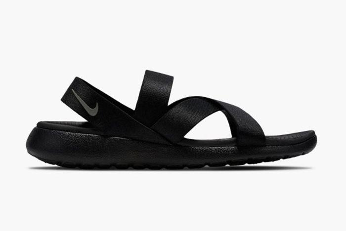 Nike Roshe One Sandal Wmns