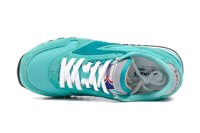 Brooks Chariot Wmns Collection 6