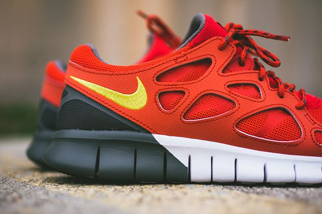Nike Free Run 2 Light Crimson 3