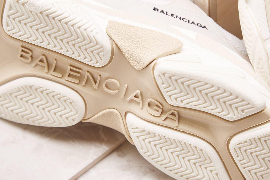 Balenciaga Triple S Cream Sneakerfreaker4