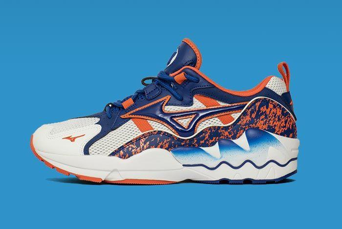Mizuno Wave Runner Reflex Blue Left Side Shot
