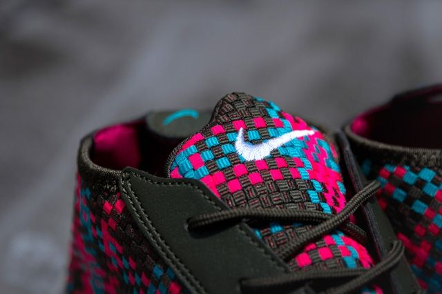 Nike Air Footscape Desert Chukka Hyper Pinnk 1