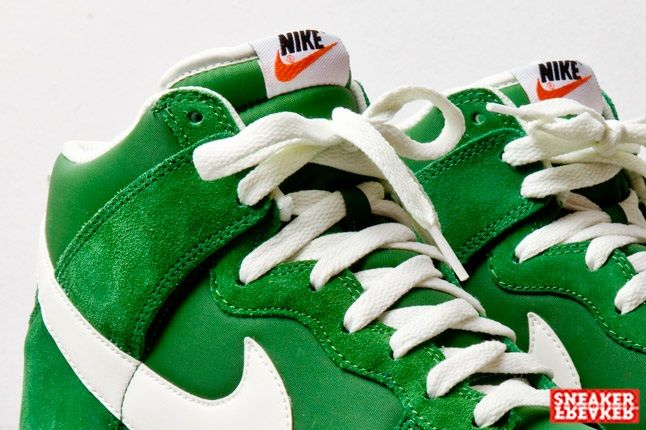 Nike Dunk Hi Fortress Green Tongue Detail