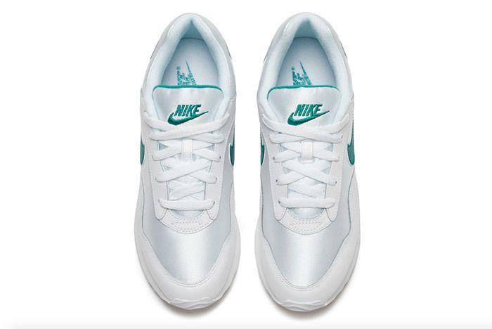 Nike Womens Outburst Og 9