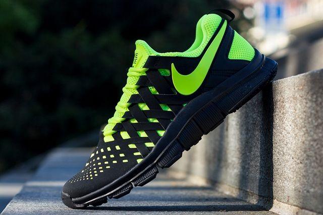 Nike Free Trainer 5 Volt Black Angle