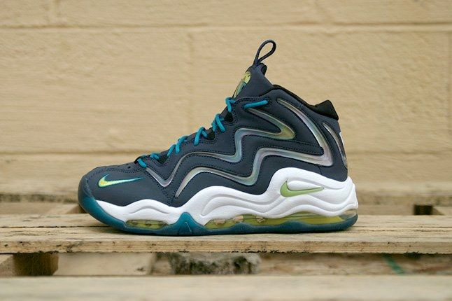 Nike Air Pippen Midnight Navy Profile 1