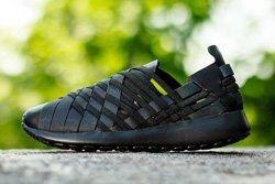 Nike Wmns Rosherun Woven Triple Black Thumb
