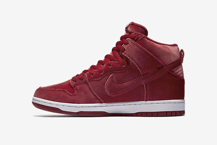 Nike Sb Dunk High Red Santa 4