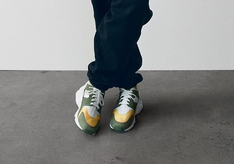 Stussy Nike Air Huarache 2021 Dark Olive