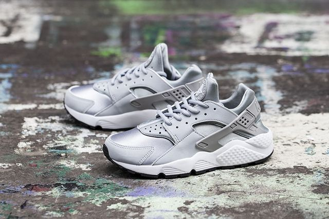 Nike Huarache Wmns Wolf Grey White 1