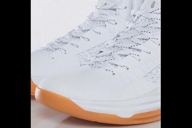 Undftd X Nike Hyperdunk Toebox 1