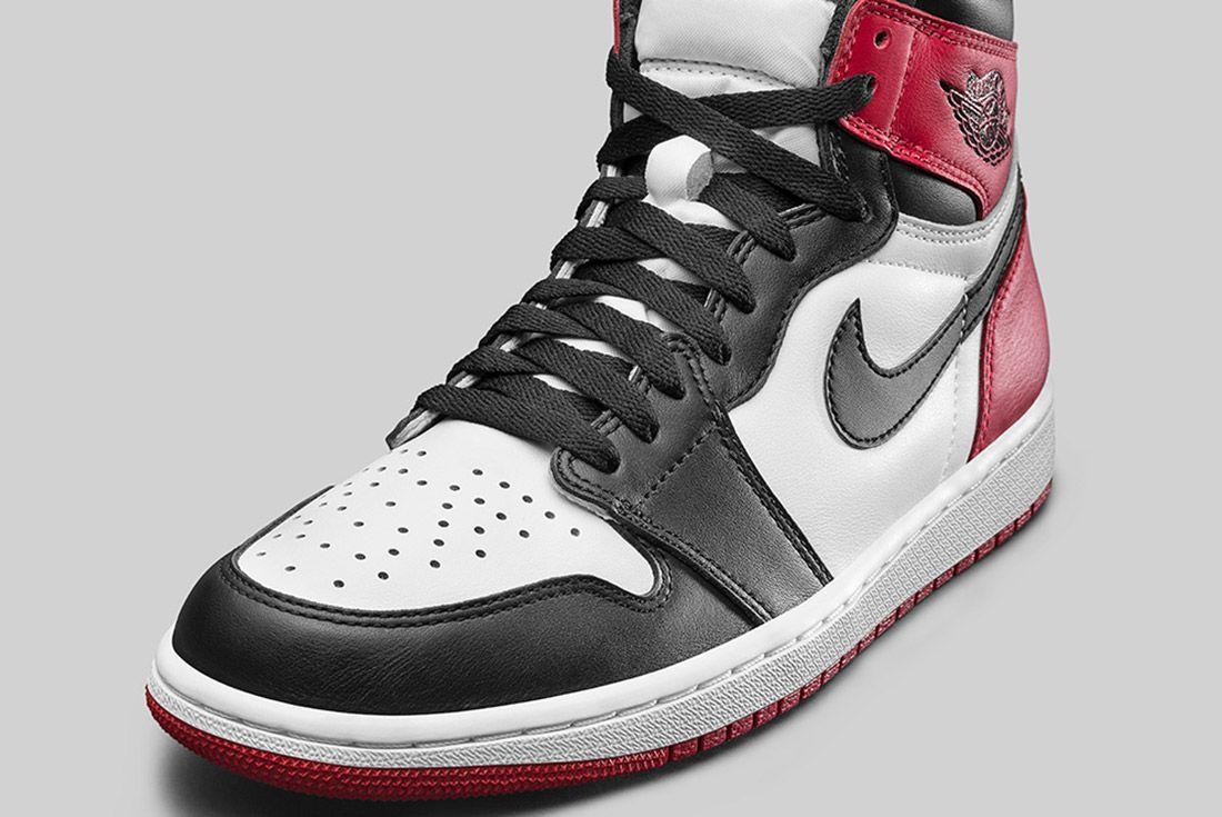 Air Jordan 1 Blck Toe 2