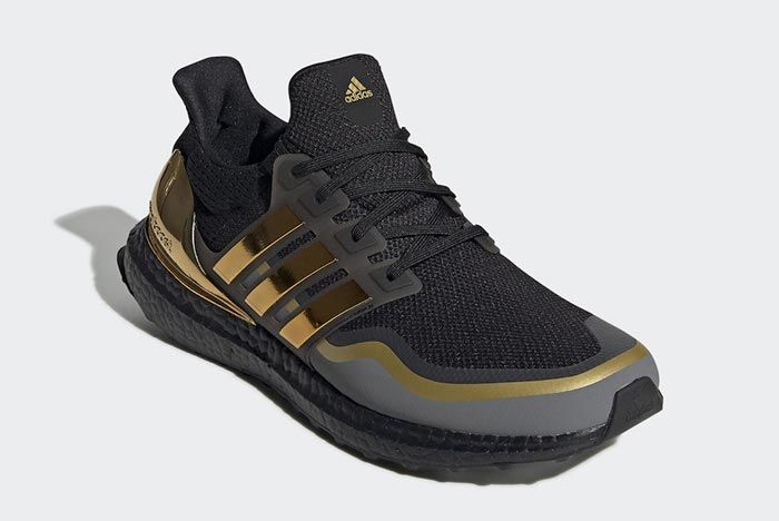 Adidas Ultraboost Black Metallic Gold Front