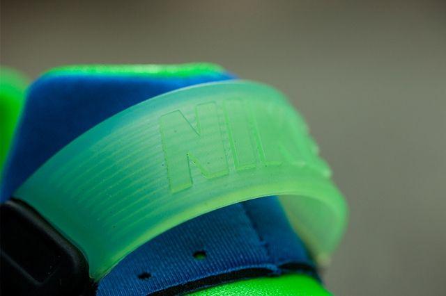 Nike Hua Nm Scream Green Bumperoo 1