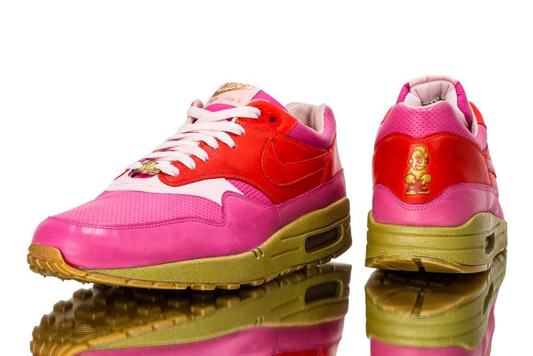 Nike Air Max 1 Kid Robot Pair Shot With Reflection