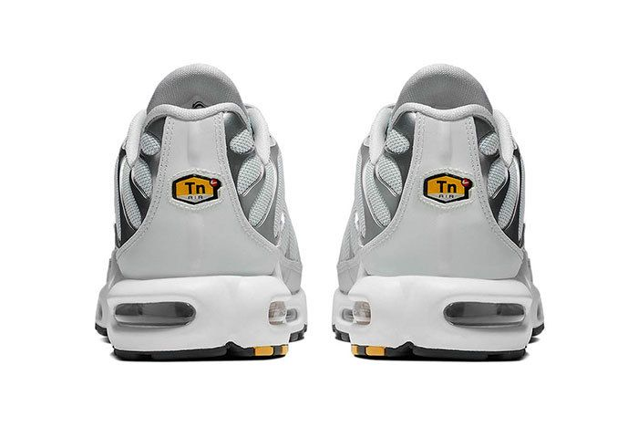 Nike Air Max Plus Grey Volt 4
