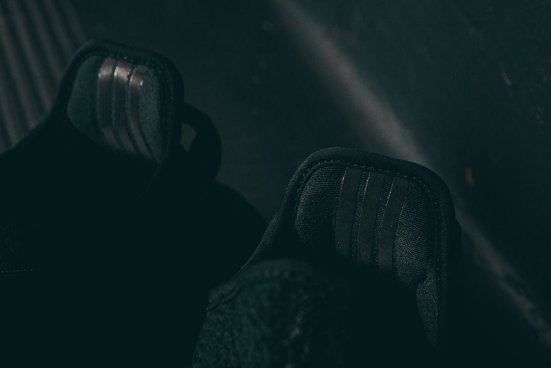 Adidas Yeezy Boost 350 V2 Black16