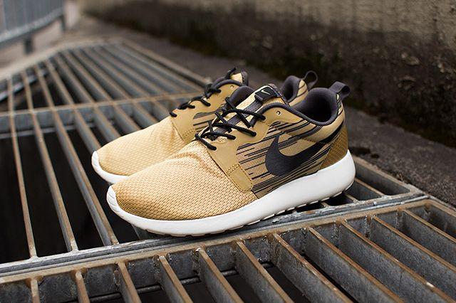Nike Roshe Run Hyperfuse Gold Black