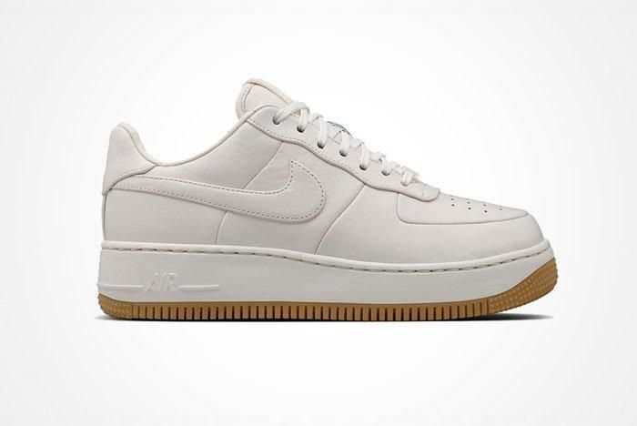 Nike Air Force 1 Up Step 5