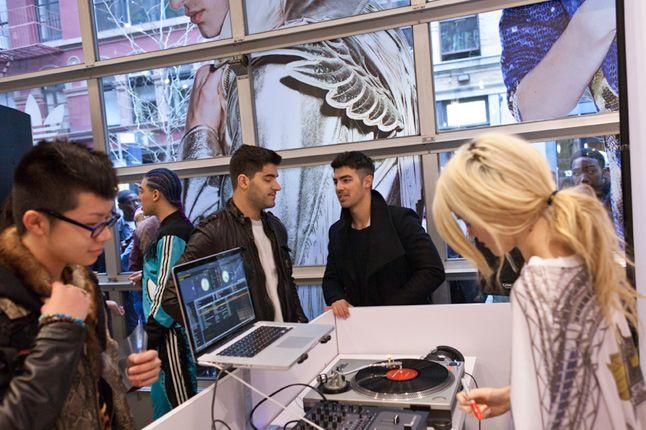Jeremy Scott In Store Adidas Originals Soho New York 43 1