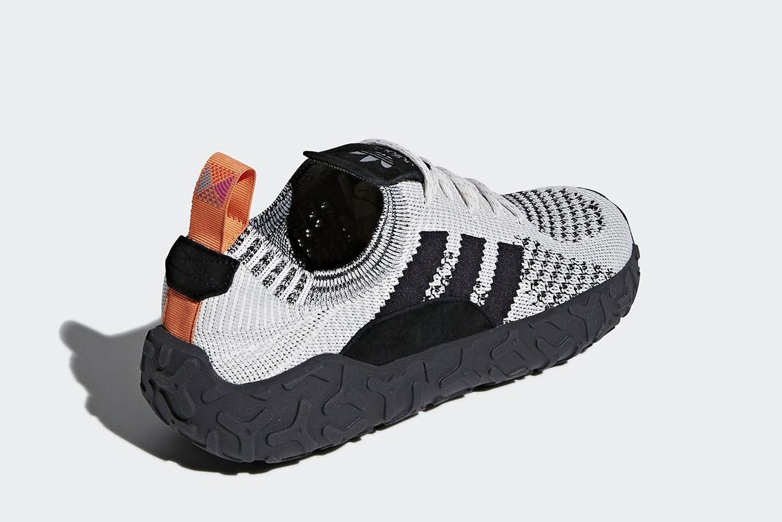 Para buscar refugio Meandro Sermón  Rugged Comfort: adidas Unveil the New F/22 Primeknit - Sneaker Freaker