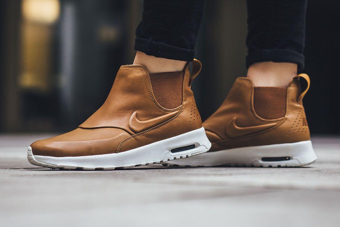 Nike Thea 2