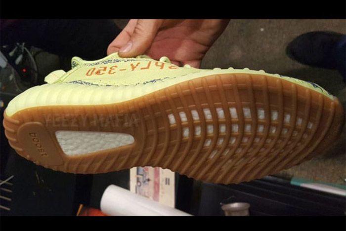 Adidas Yeezy Boost 350 V2 Semi Frozen Yellow 2