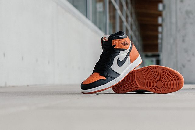 Air Jordan 1 Shattered Backboards Bump