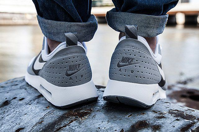 Nike Am Tavas Coolgrey Bump 3