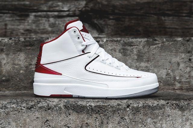 Air Jordan 2 Retro Red White Bump 1