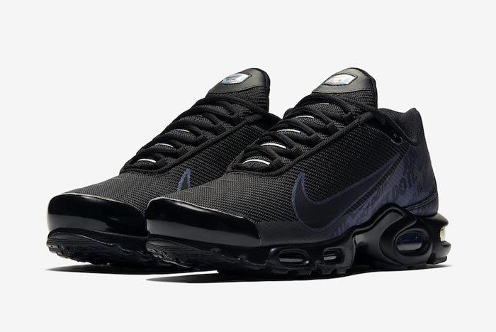 Nike Air Max Plus Jdi Black Pair
