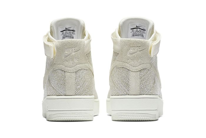 Nike Air Force 1 Ultra Flyknit Mid Sail3
