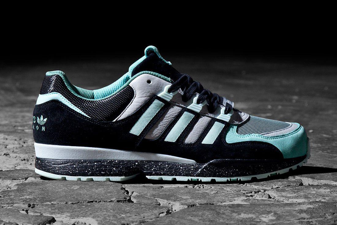 Integral Sneakerfreaker Side
