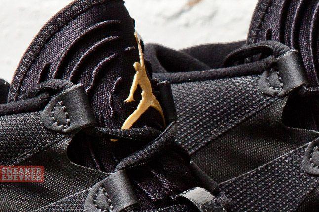 Air Jordan Xx8 Lite Black Metallic Gold 2 Det