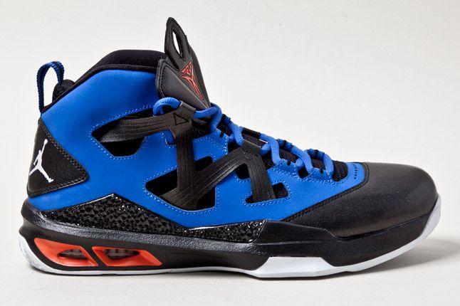 Jordan Melo M9 Blue Orange Blk Sides 2