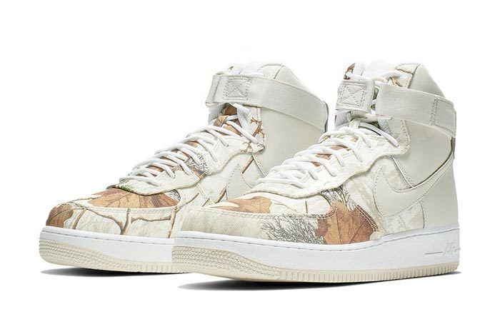 Realtree White Nike Air Force 1 Pair