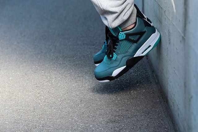 Air Jordan 4 Teal On Foot 3