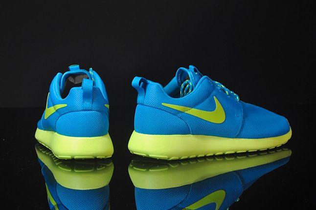 Nike Roshe Run Blue Glow 2013 1