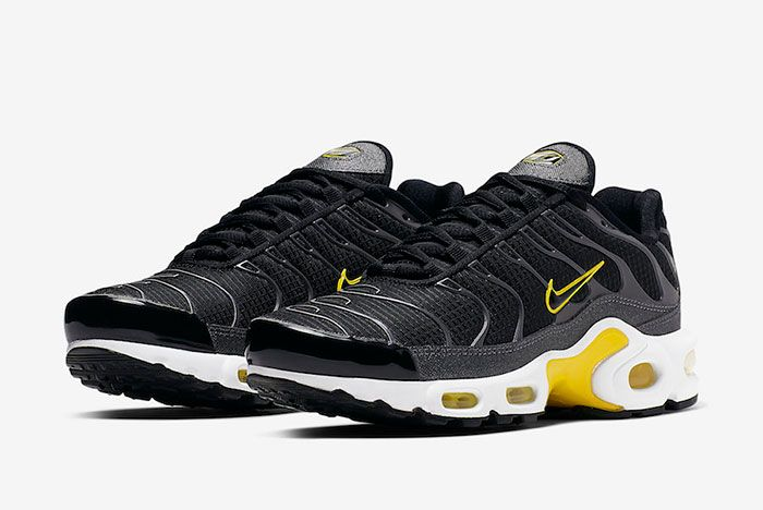 Nike Air Max Plus Black Active Yellow Cn0142 001 Front Angle