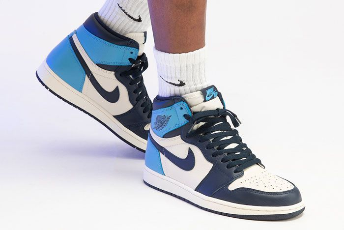 Air Jordan 1 High Og Obsidian On Foot Right