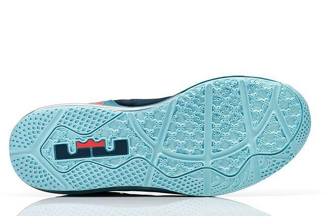 Nike Lebron 11 Max Low Turbo Green 1