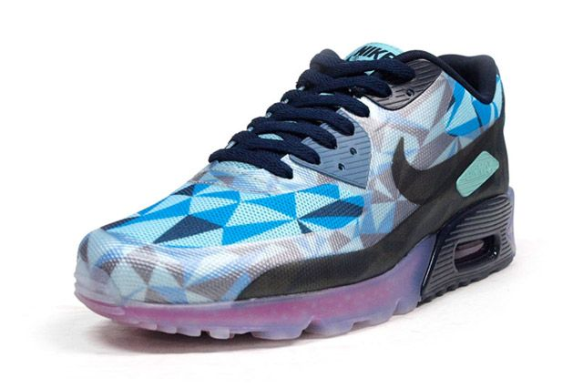 Air Max 90 Ice Blue Perspective