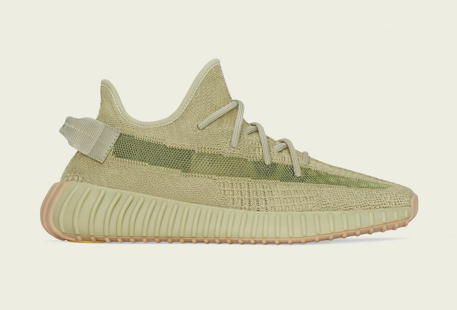 Yeezy BOOST 350 V2 Sulfur Right